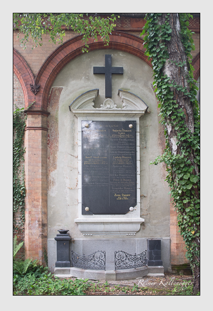 Grab der Familien Birzer & Danzer & Dengler & Ewald & Sündermann auf dem Alten Südfriedhof München (August 2013)