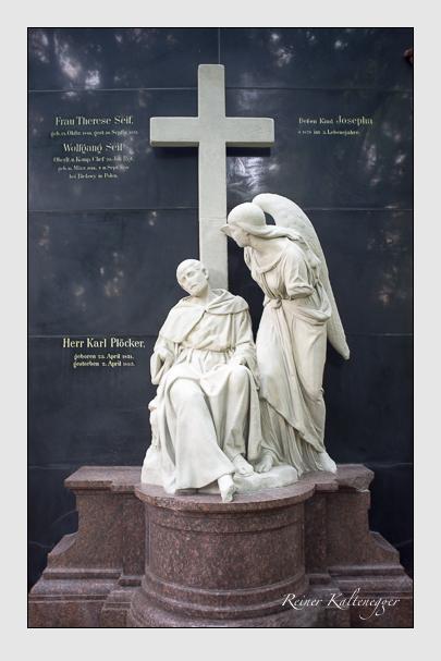 Grab der Familien Plöcker & Seif auf dem Alten Südfriedhof München (August 2013)