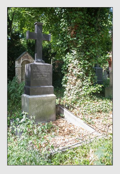 Grab der Familien Kleinmayr & Pauli auf dem Alten Südfriedhof München (August 2013)