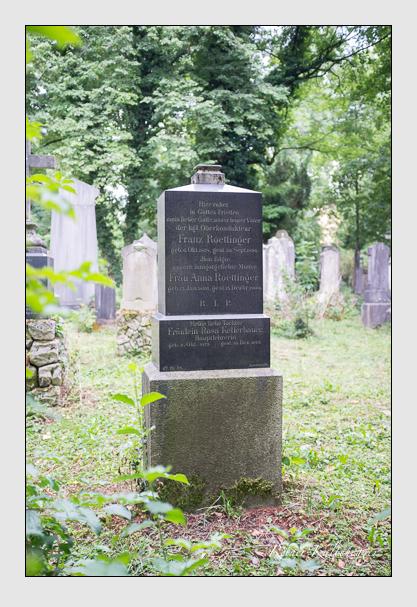 Grab der Familien Kellerbauer & Röttinger auf dem Alten Südfriedhof München (April 2013)