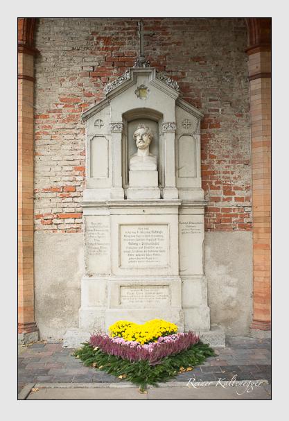 Grab der Familie Schwanthaler auf dem Alten Südfriedhof München (Oktober 2013)