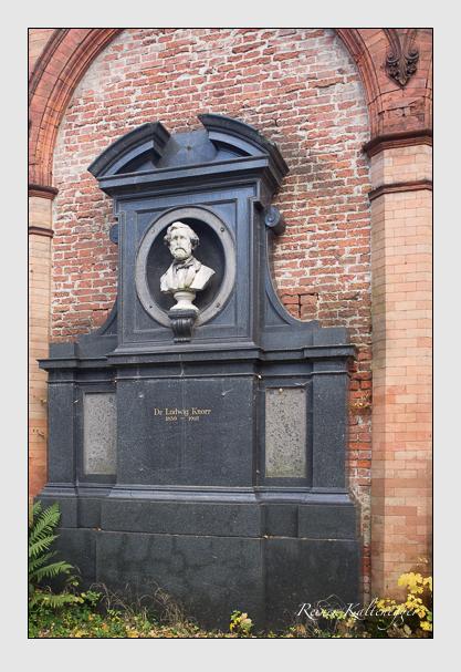 Grab der Familie Knorr auf dem Alten Südfriedhof München (Oktober 2013)
