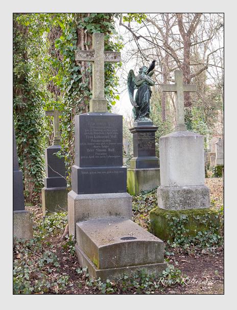 Grab der Familie Moll auf dem Alten Südfriedhof München (Dezember 2013)