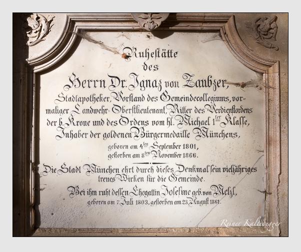 Grab der Familie Zaubzer auf dem Alten Südfriedhof München (Dezember 2013)