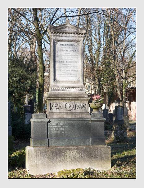 Grab der Familien Burger & Fries & Savoye auf dem Alten Südfriedhof München (Dezember 2013)