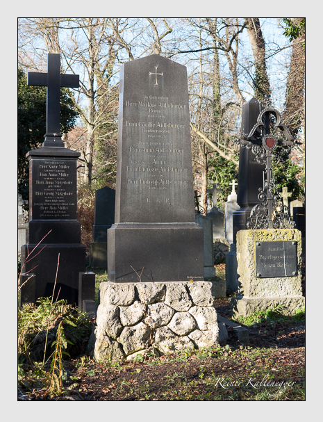 Grab der Familie Aidlsburger auf dem Alten Südfriedhof München (Dezember 2013)