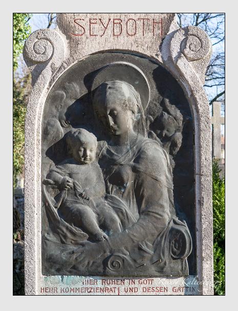 Grab der Familie Seyboth auf dem Alten Südfriedhof München (Februar 2014)