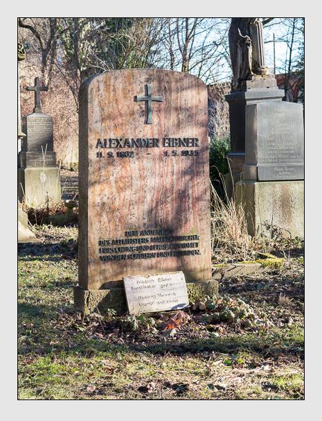 Grab der Familien Eibner & Vorwerck auf dem Alten Südfriedhof München (Februar 2014)