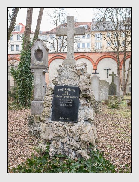 Grab der Familie Küffner auf dem Alten Südfriedhof München (Februar 2014)