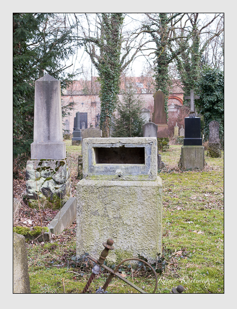 Grab der Familie Weichmann auf dem Alten Südfriedhof München (Februar 2014)