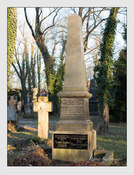 Grab der Familien Kapfer · Lang · Seidl auf dem Alten Südfriedhof München (Februar 2014)