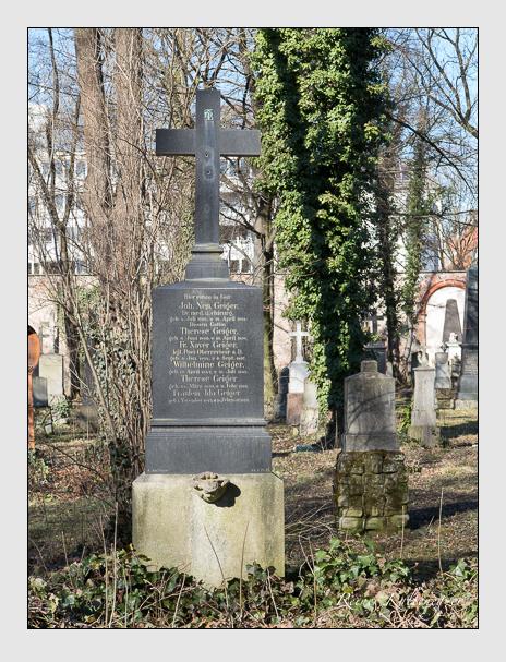 Grab der Familie Geiger auf dem Alten Südfriedhof München (Februar 2014)