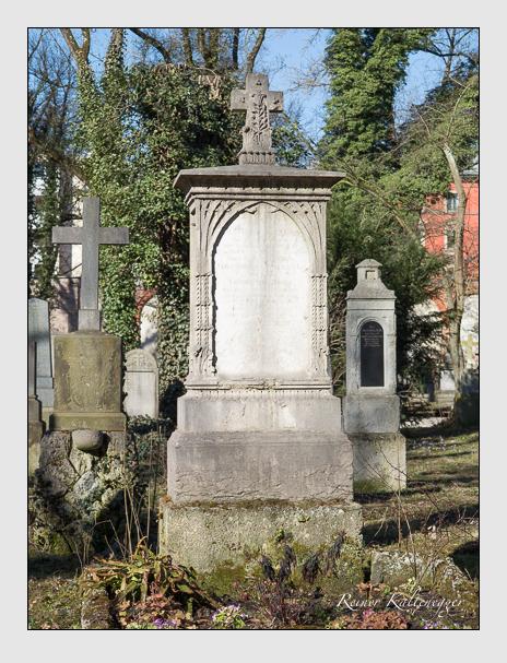 Grab der Familie Fuchs auf dem Alten Südfriedhof München (Februar 2014)