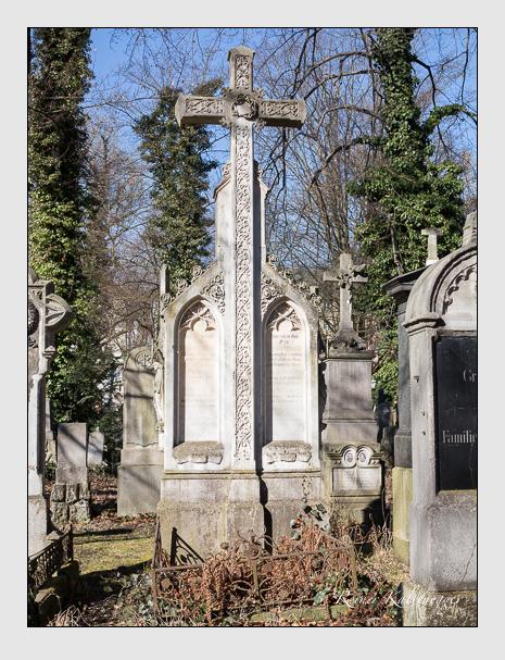 Grab der Familie Jacubezky auf dem Alten Südfriedhof München (Februar 2014)