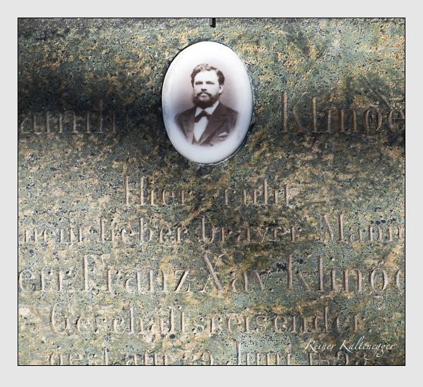 Grab der Familie Klinger auf dem Alten Südfriedhof München (Februar 2014)
