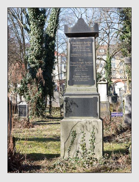 Grab der Familie Apoiger auf dem Alten Südfriedhof München (Februar 2014)