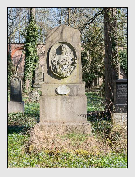 Grab der Familien Schnidtmann & Schregenhammer & Tiefenböck auf dem Alten Südfriedhof München (März 2014)