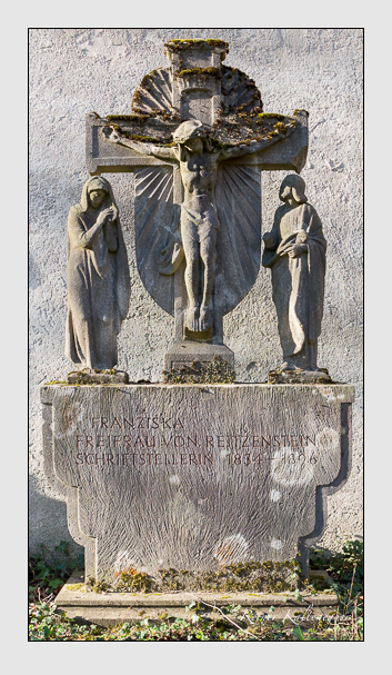 Grab der Familie Reitzenstein auf dem Alten Südfriedhof München (März 2014)