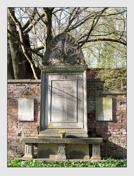 Grab der Familien Harlander & Heideck auf dem Alten Südfriedhof München (März 2014)