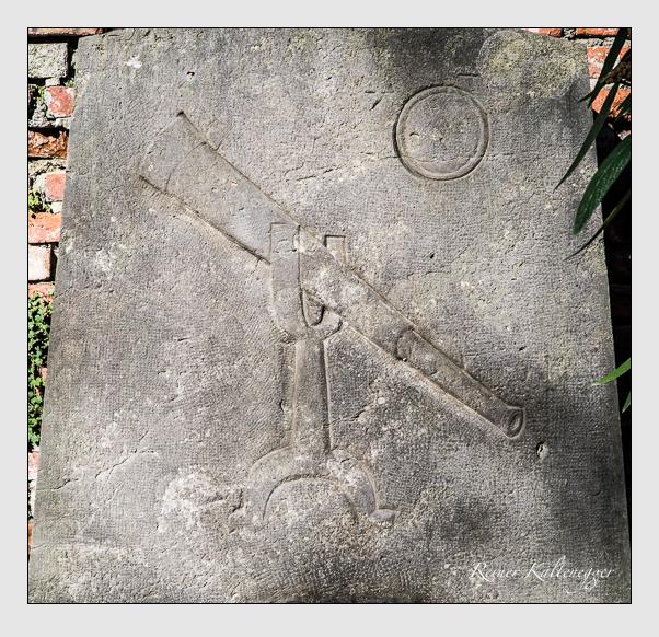 Grab der Familie Fraunhofer auf dem Alten Südfriedhof München (März 2014)