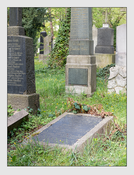 Grab der Familie Muhr auf dem Alten Südfriedhof München (April 2014)