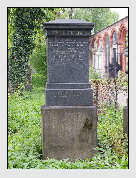 Grab der Familie Schreiner auf dem Alten Südfriedhof München (April 2014)