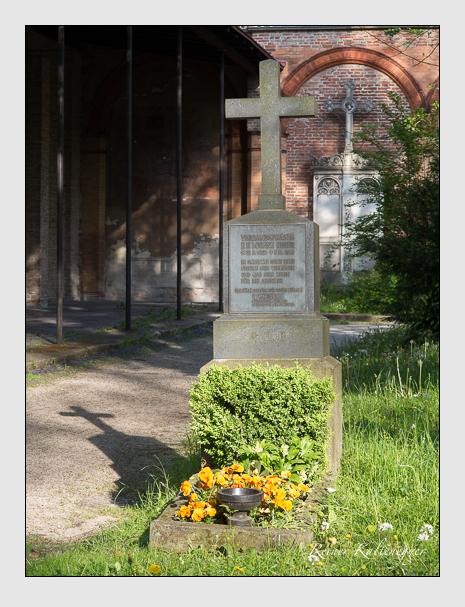 Grab der Familie Huber auf dem Alten Südfriedhof München (Mai 2014)