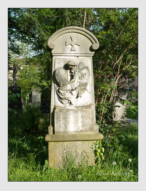 Grab der Familie Petzet auf dem Alten Südfriedhof München (Mai 2014)