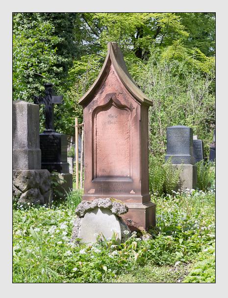 Grab der Familien Hamberger & Riegel & Schulze & Veit auf dem Alten Südfriedhof München (Mai 2014)