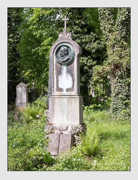 Grab der Familie Stritzl auf dem Alten Südfriedhof München (Mai 2014)