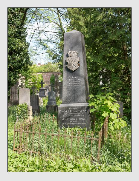 Grab der Familie Frays auf dem Alten Südfriedhof München (Mai 2014)