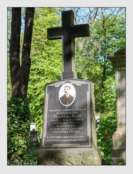Grab der Familie Robl auf dem Alten Südfriedhof München (Mai 2014)