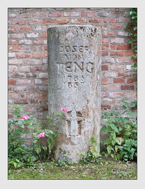 Grab der Familie Teng auf dem Alten Südfriedhof München (Juni 2014)