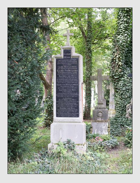 Grab der Familien Höss & Pracher auf dem Alten Südfriedhof München (August 2014)