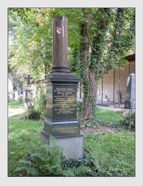 Grab der Familie Crämer auf dem Alten Südfriedhof München (September 2014)