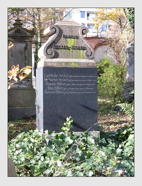 Grab der Familien Hilber · Seckel auf dem Alten Südfriedhof München (November 2014)