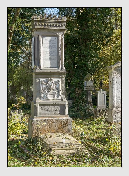 Grab der Familie Ysenburg-Philippseich auf dem Alten Südfriedhof München (November 2014)