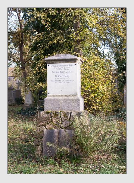 Grab der Familie Heintz auf dem Alten Südfriedhof München (November 2014)