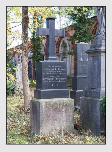 Grab der Familie Riedhammer auf dem Alten Südfriedhof München (November 2014)
