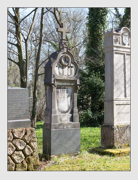 Grab der Familie Diez auf dem Alten Südfriedhof München (April 2015)