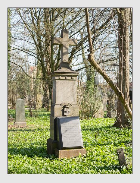 Grab der Familie Bentzel-Sternau auf dem Alten Südfriedhof München (April 2015)