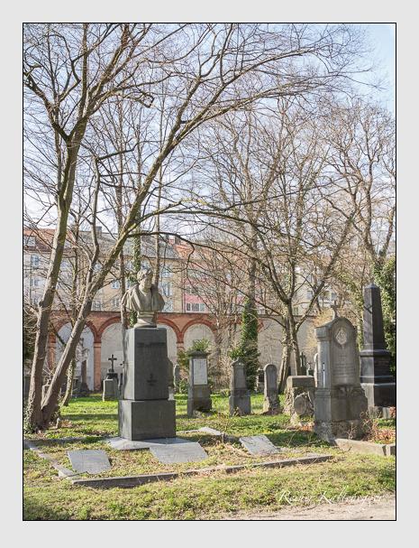 Grab der Familien Keller & Pfeufer auf dem Alten Südfriedhof München (August 2011)