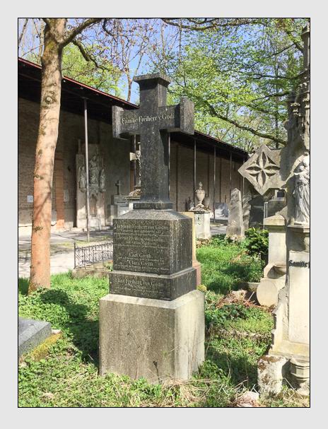 Grab der Familien Godin & Greith auf dem Alten Südfriedhof München (April 2015)