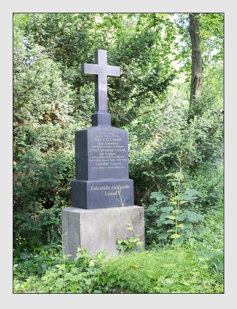 Grab der Familie Grassl auf dem Alten Südfriedhof München (Mai 2015)