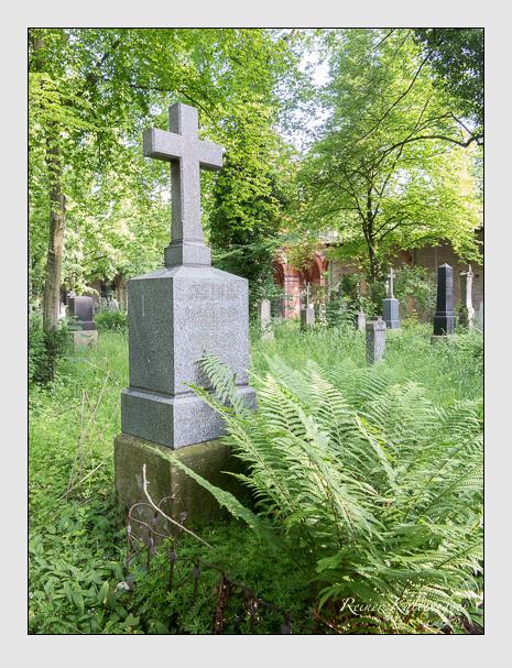 Grab der Familie Hartlieb auf dem Alten Südfriedhof München (Mai 2015)