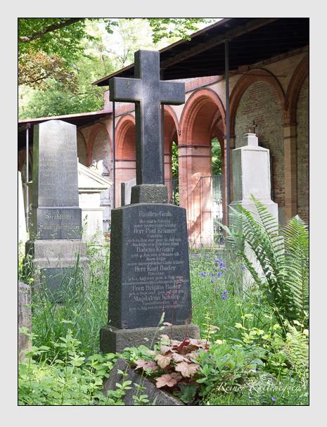 Grab der Familien Bader & Knoller & Krämer auf dem Alten Südfriedhof München (Mai 2015)