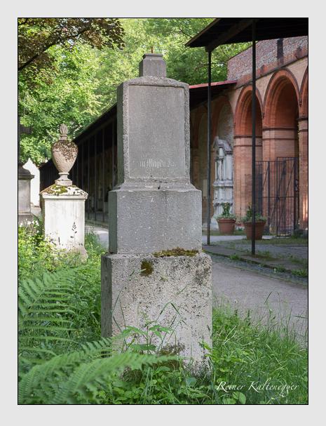 Grab der Familie Jaud auf dem Alten Südfriedhof München (Mai 2015)