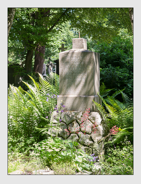 Grab der Familien Rottmanner & Schultz auf dem Alten Südfriedhof München (Juni 2015)