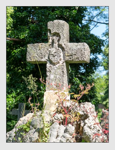 Grab der Familie Pellegrini auf dem Alten Südfriedhof München (Juni 2015)