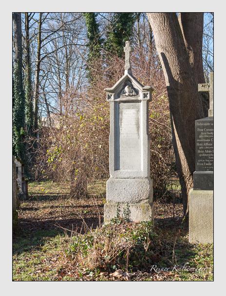 Grab der Familie Mertz auf dem Alten Südfriedhof München (Dezember 2015)
